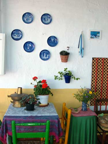 ?image=The Terrace/blueplates.jpg